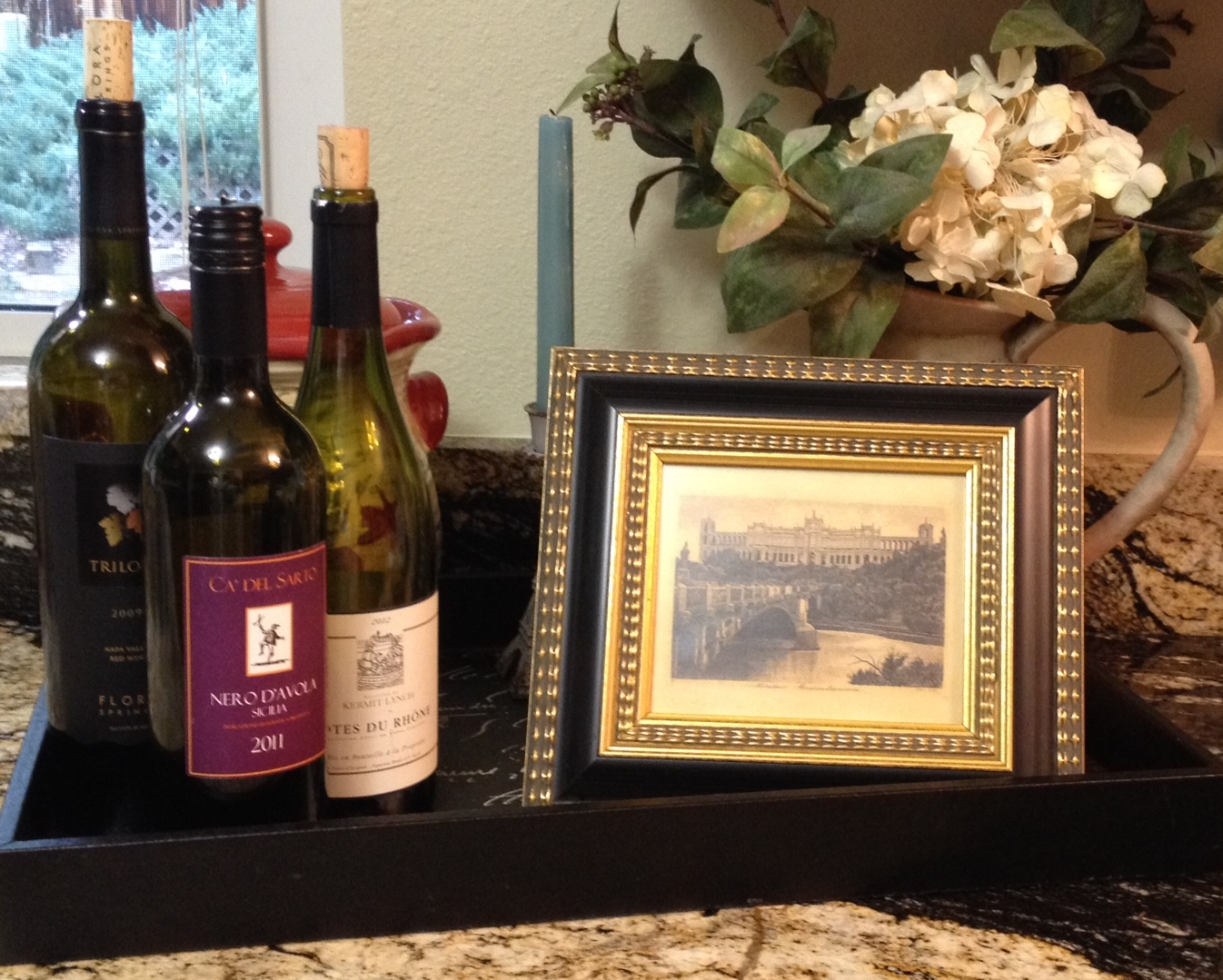 5 decorating uses for empty wine bottles the mcconnell for Empty wine bottle decoration ideas